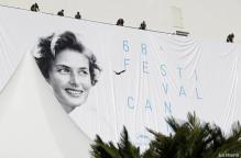 trabajadores-colocan-el-cartel-oficial-de-la-68-edicion-del-festival-de-cannes-en-el-palacio-de-los-festivales-en-cannes-francia--efe-20150512095614-3e8a7057468d8cf5cfe428962376ff93
