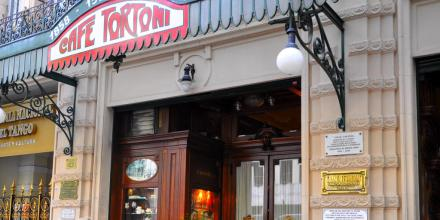 BUE-cafe-tortoni-un-passage-oblige-2_1-1024x512